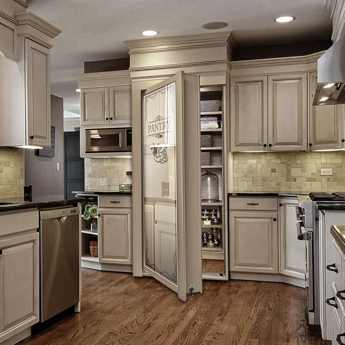 Kitchen Pantry Door Options: Pantry Door (Reversed)