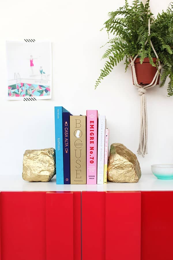 DIY Rock bookend for bookshelves